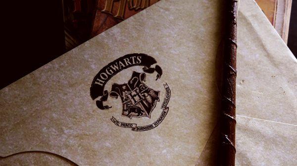 Eddie Redmayne se posiciona sobre la transfobia de JK Rowling y la guerra en redes