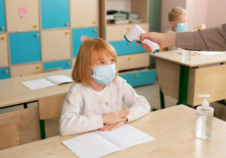 Aumentan los casos de coronavirus en las aulas a 688 desde el inicio del curso