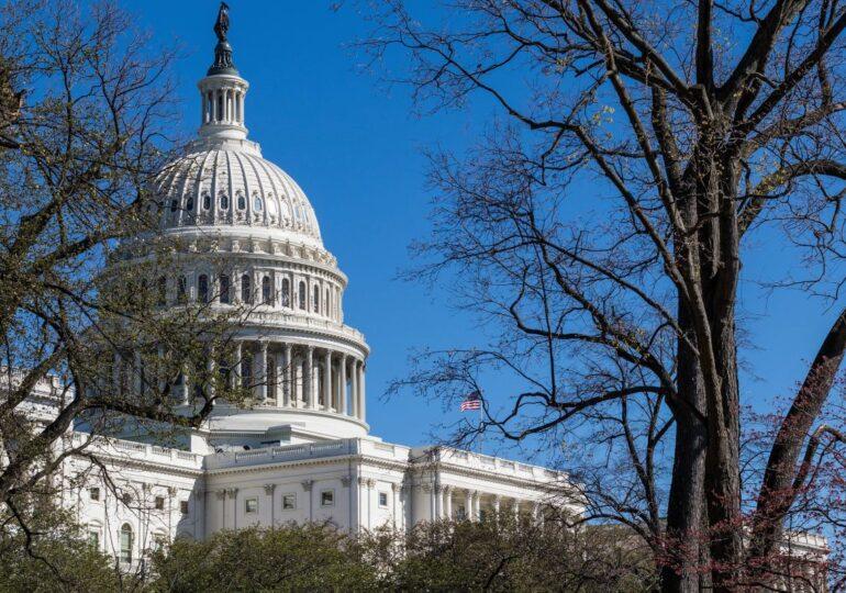 El asalto al capitolio de Estados Unidos deja 4 muertos y 52 detenidos