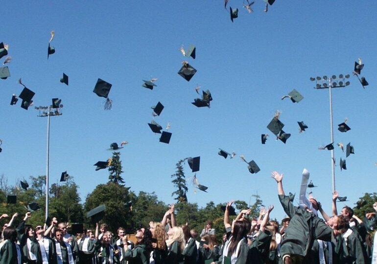Educación prohíbe las graduaciones y fiestas de final de curso
