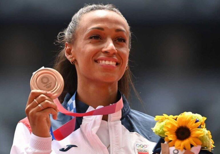 Ana Peleteiro se alza con el bronce en la misma final en la que Yulimar Rojas bate el récord del mundo